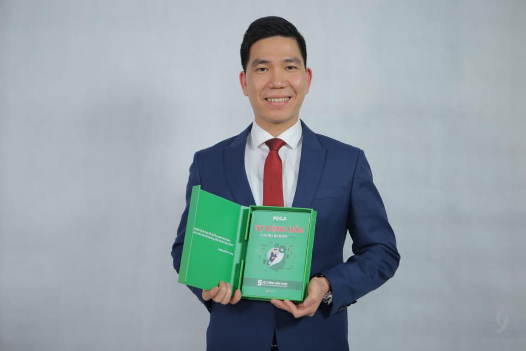 Cuốn sách được viết bởi tác giả Hoàng Đình Trọng - diễn giả, tác giả, chuyên viên nổi tiếng